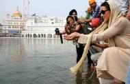 Ekkees Toppon Ki Salaami cast visit Golden Temple