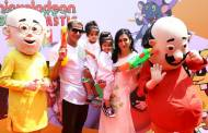 Bella and Vienna dunk Tinseltown in Slime at the Nickelodeon Holi Party