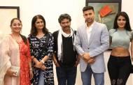 Celebs grace Sumit Mishra's art show - Vimarsh