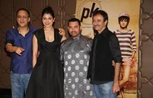 Vidhu Vinod Chopra,Anushka Sharma, Aamir Khan and Raju Hirani