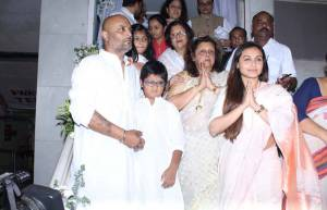 Celebs mourn Ram Mukherjee's death at his Prayer meet