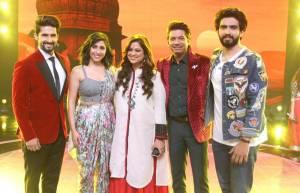Neha Bhasin and Guru Randhawa on the sets of  Sa Re Ga Ma Pa Li'l Champs