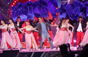 Umang 2020: A night to remember with Bollywood celebs