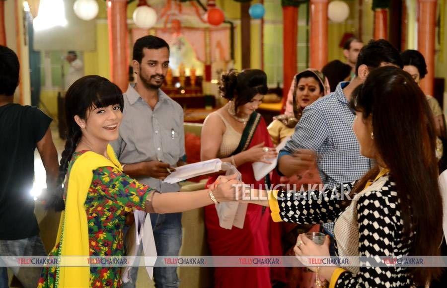 On the sets of Colors' Thapki