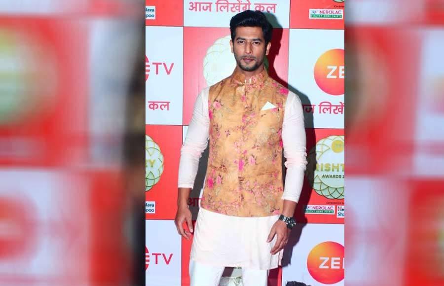 Celeb galore at Zee Rishtey Awards