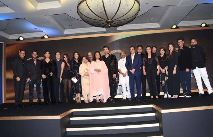 Shah Rukh Khan, Kajol & Rani's coochie coochie moments continue even after 20 years
