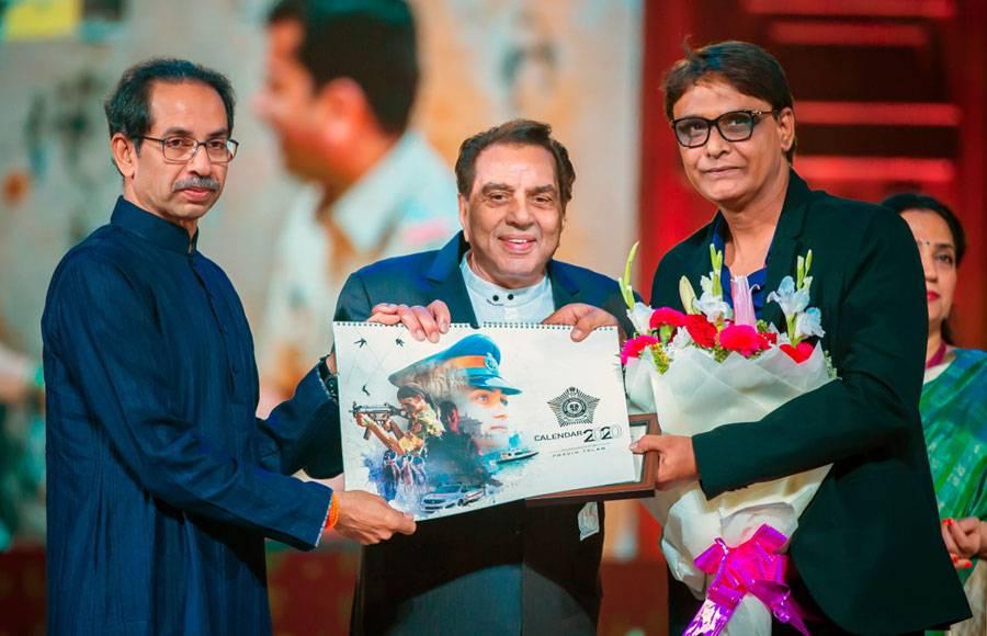 Dharmendra, Salman and Shah Rukh launched Mumbai Police Calendar